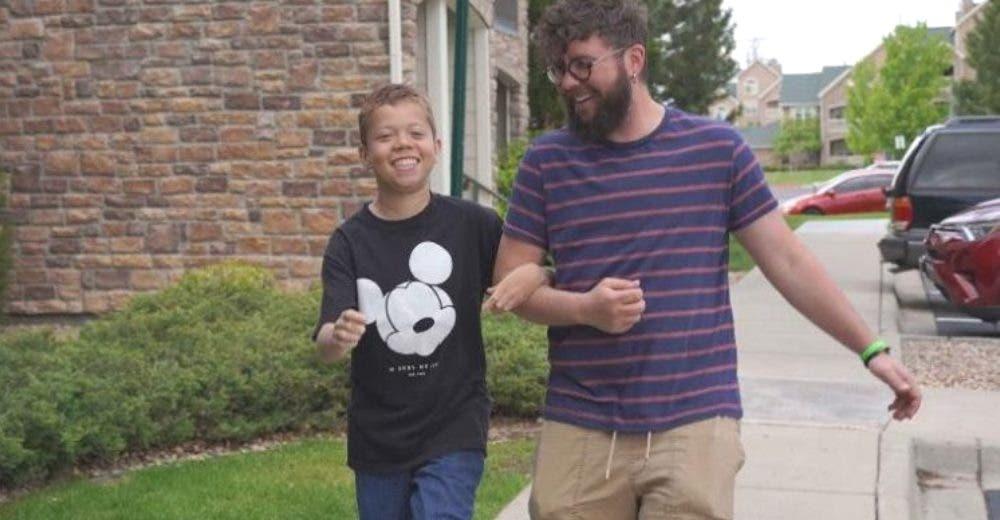 Adopta a su alumno de 13 años para que pueda recibir el riñón que necesita para vivir