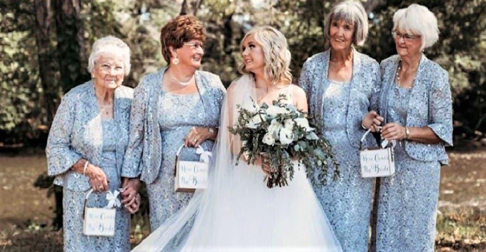 Las 4 abuelitas de la novia participan en la boda como «las niñas de las flores»