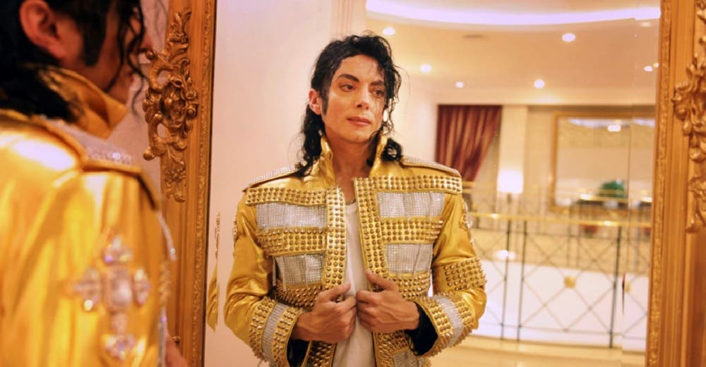Le exigen una prueba de ADN al doble de Michael Jackson asegurando que puede ser el rey del pop