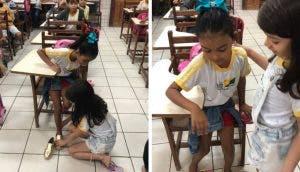 Entra a su clase con unos zapatos que no le quedaban para regalárselos a su humilde compañera