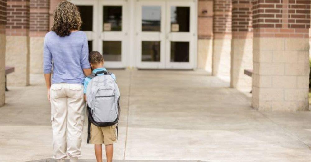 En este colegio causan polémica al anunciar el cobro de una multa por impuntualidad