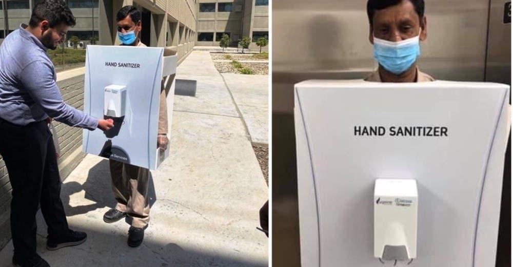 El migrante que fue vestido como dispensador de gel desinfectante causa una ola de indignación