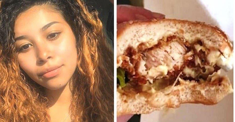 Los empleados de un restaurante de comida rápida se ríen cuando reclama y regresa su hamburgesa