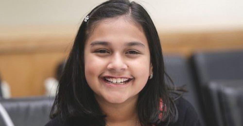 Recibe un reconocimiento como «la niña del año» por crear un dispositivo que salva vidas
