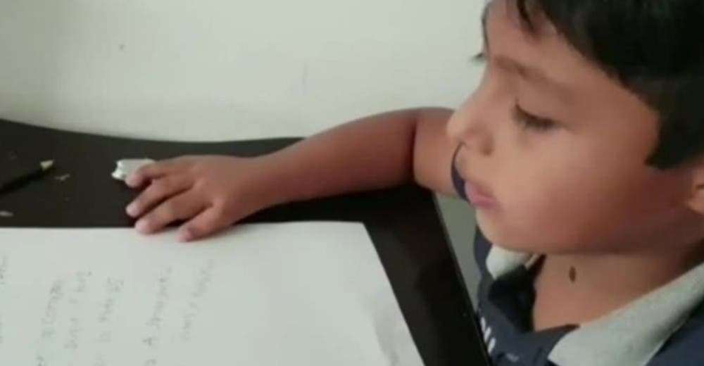 A los 7 años le envía una carta a Dios angustiado por el peligro de su papá al ir a trabajar