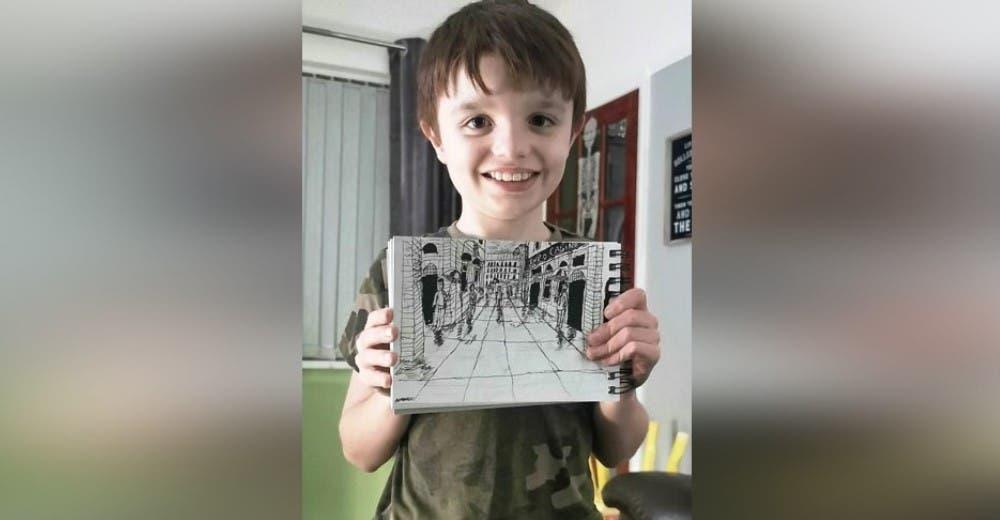 Un niño autista de 11 años memoriza cada paisaje para dibujar cada detalle a la perfección