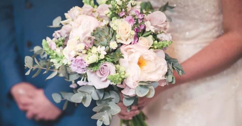Se casa con uno de los invitados después de que el novio desapareciera en plena boda
