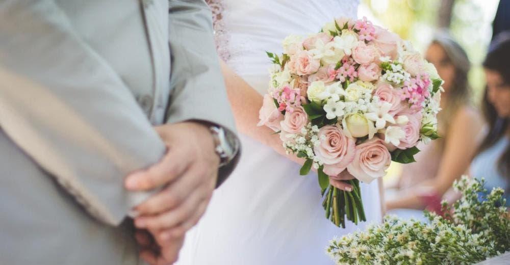 Critican a la novia que se negó a usar maquillaje y joyas el día de su boda