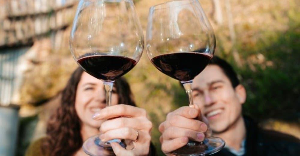 Una bodega ofrece 10 mil dólares al mes para trabajar tomando vino y sin pagar alquiler