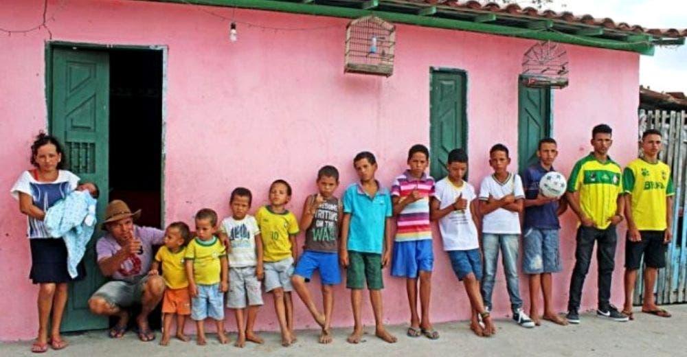 Los padres de 13 varones que soñaban con tener una niña le dan la bienvenida a 2 bebés más
