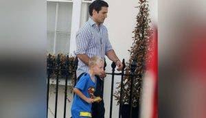 Nadie le creía al niño de 7 años que Superman era su tío hasta que apareció en su escuela