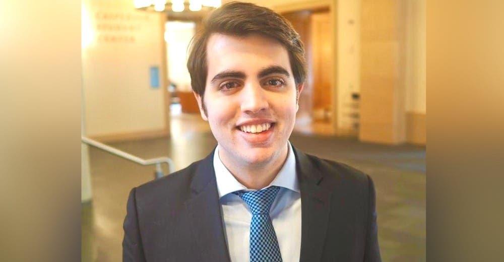 Entra a la universidad para estudiar derecho con apenas 14 años