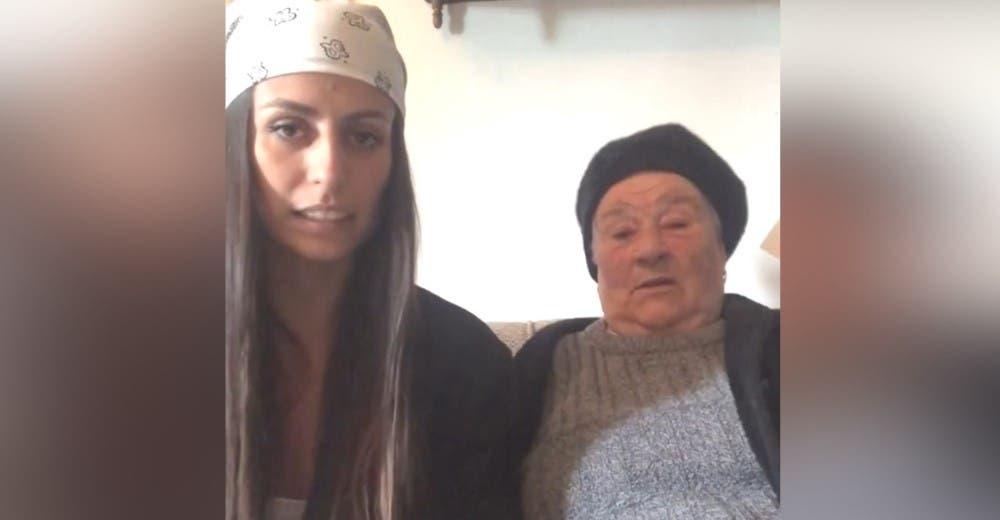 «Necesito ayuda, mi abuela está embarazada» – Suplica apoyo en un vídeo para obtener una beca