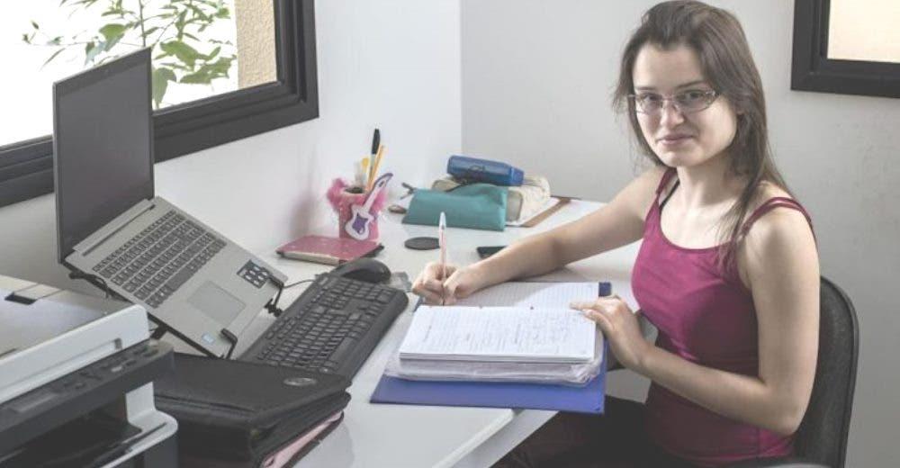 «Solo quiero estudiar» – Lucha porque le permitan ejercer su derecho de asistir a la escuela