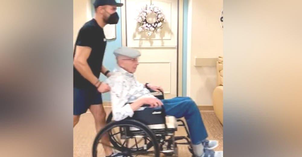 Zac Efron «se roba» a su abuelito de la residencia en la que vive sin que nadie lo viera