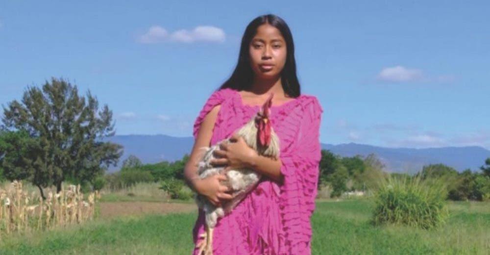 Se convierte en la primera mujer de su comunidad indígena en ser modelo y salir en una revista