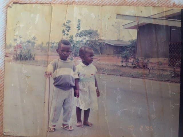 niños Nimi y Ayobami Alao