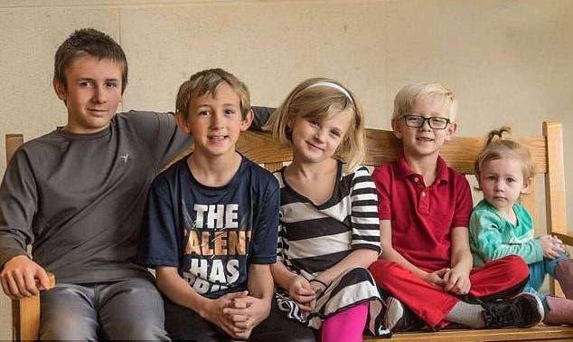 5 hermanos buscan una familia